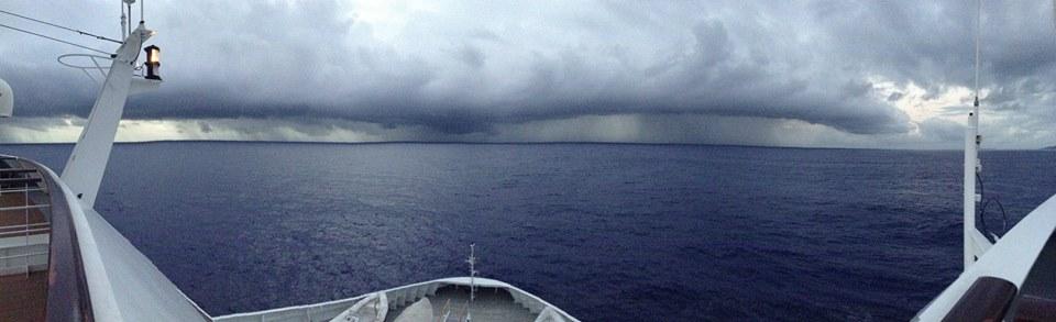 leaving-tahaa-to-some-rain